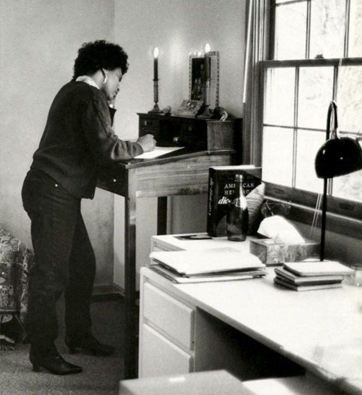 Standing Desk Women Virginia Woolf
